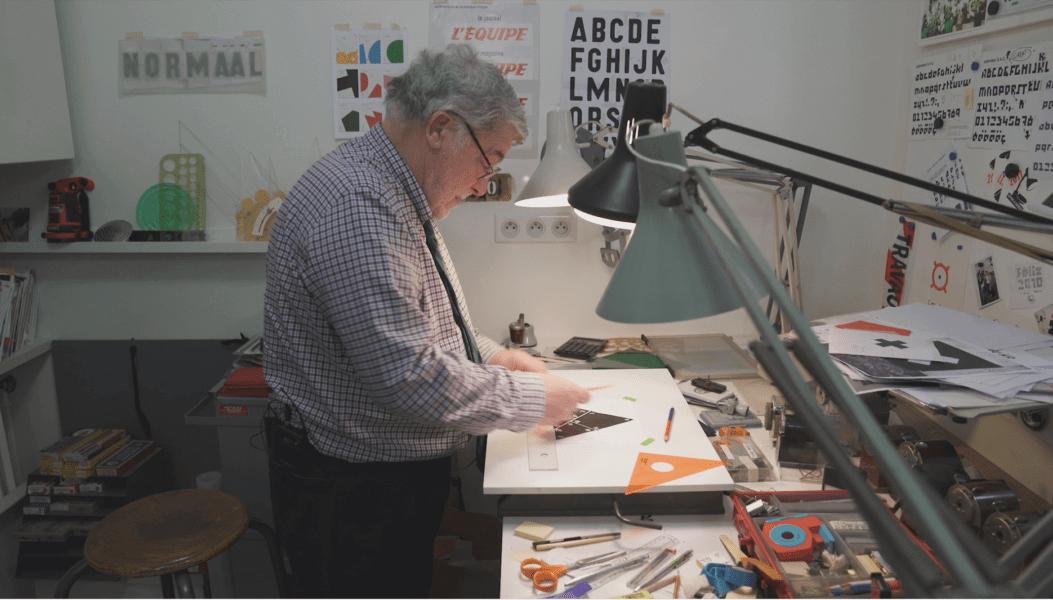 Rencontre avec Étienne Robial, le plus connu des graphistes français